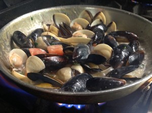 cooking-mussels